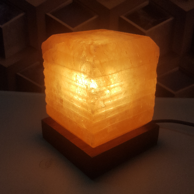 himalayan cube lamp large cut with light