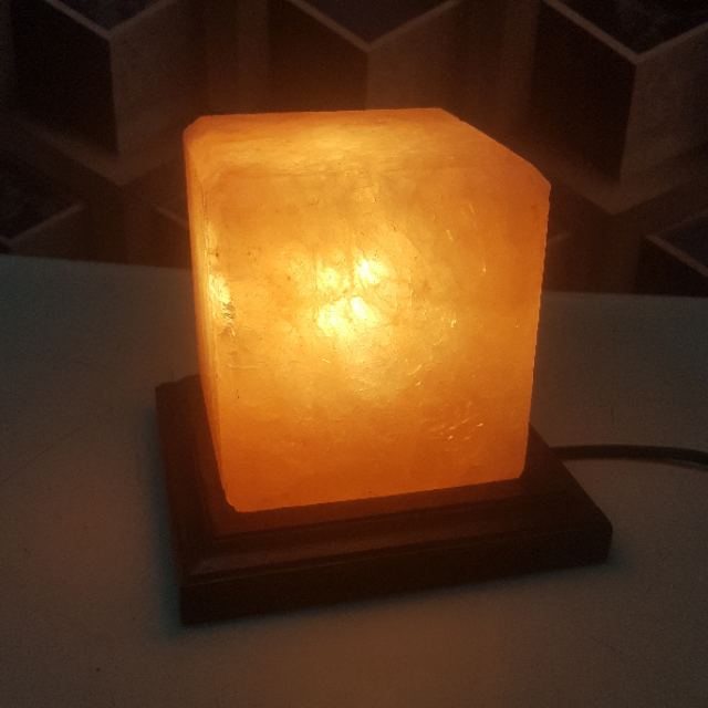 himalayan cube lamp with light