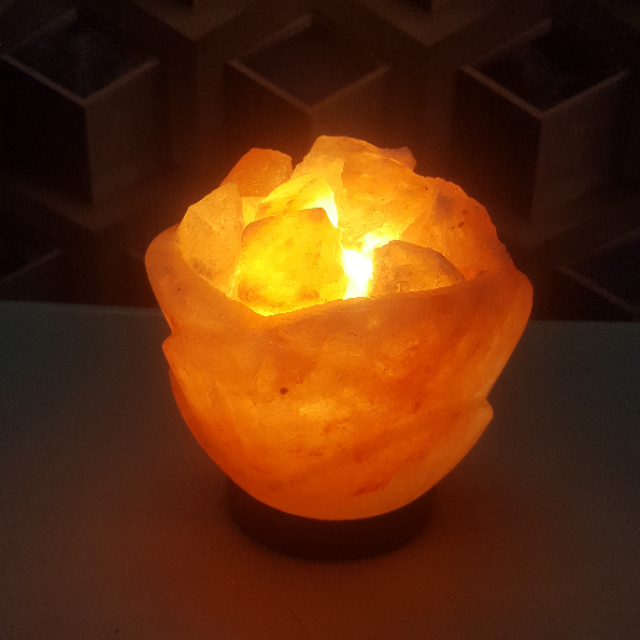 himalayan flower bowl lamp with light