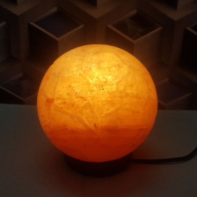 himalayan foot ball lamp with light