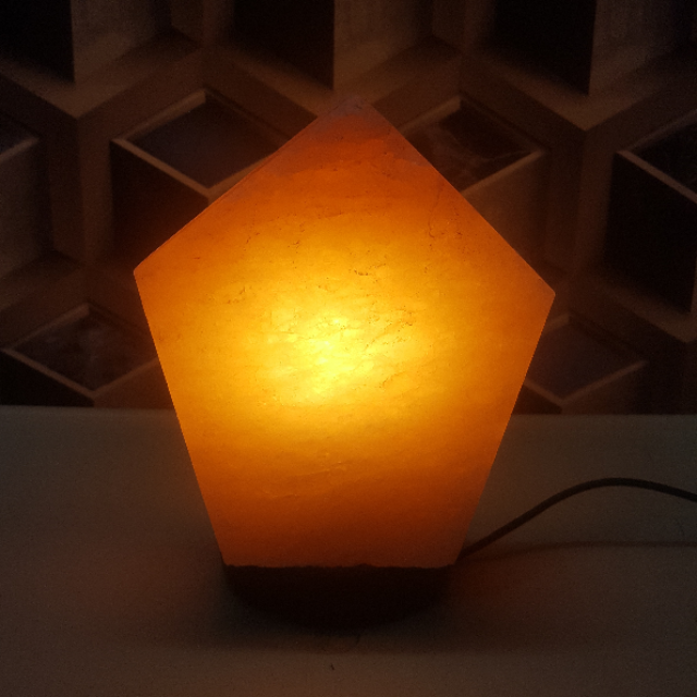 himalayan penta prism shape lamp with light