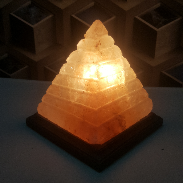 himalayan pyramid lamp (large cut) with light