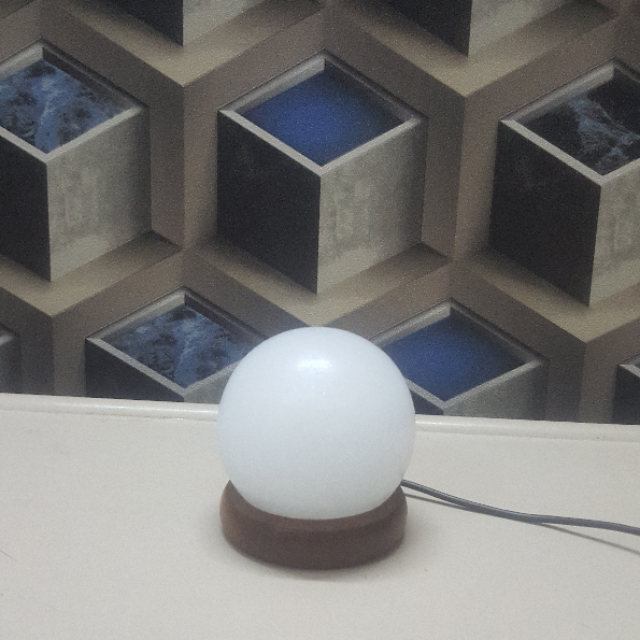 himalayan usb sphere lamp (white)