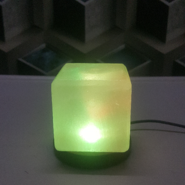 himalayan usb cube lamp (white) with light