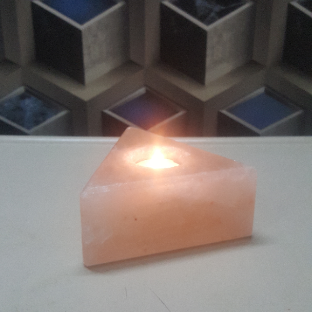 himalayan triangle candle holder with light
