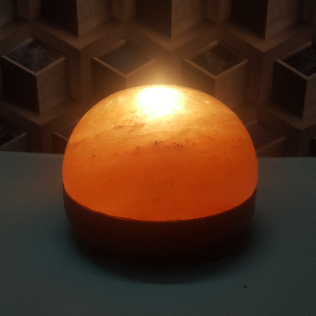 himalayan dome lamp  (with 2 bulbs 7w)